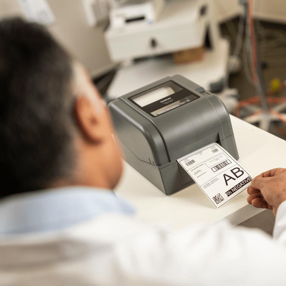 Imprimante d'étiquettes de bureau à transfert thermique Brother TD-4420TN 7
