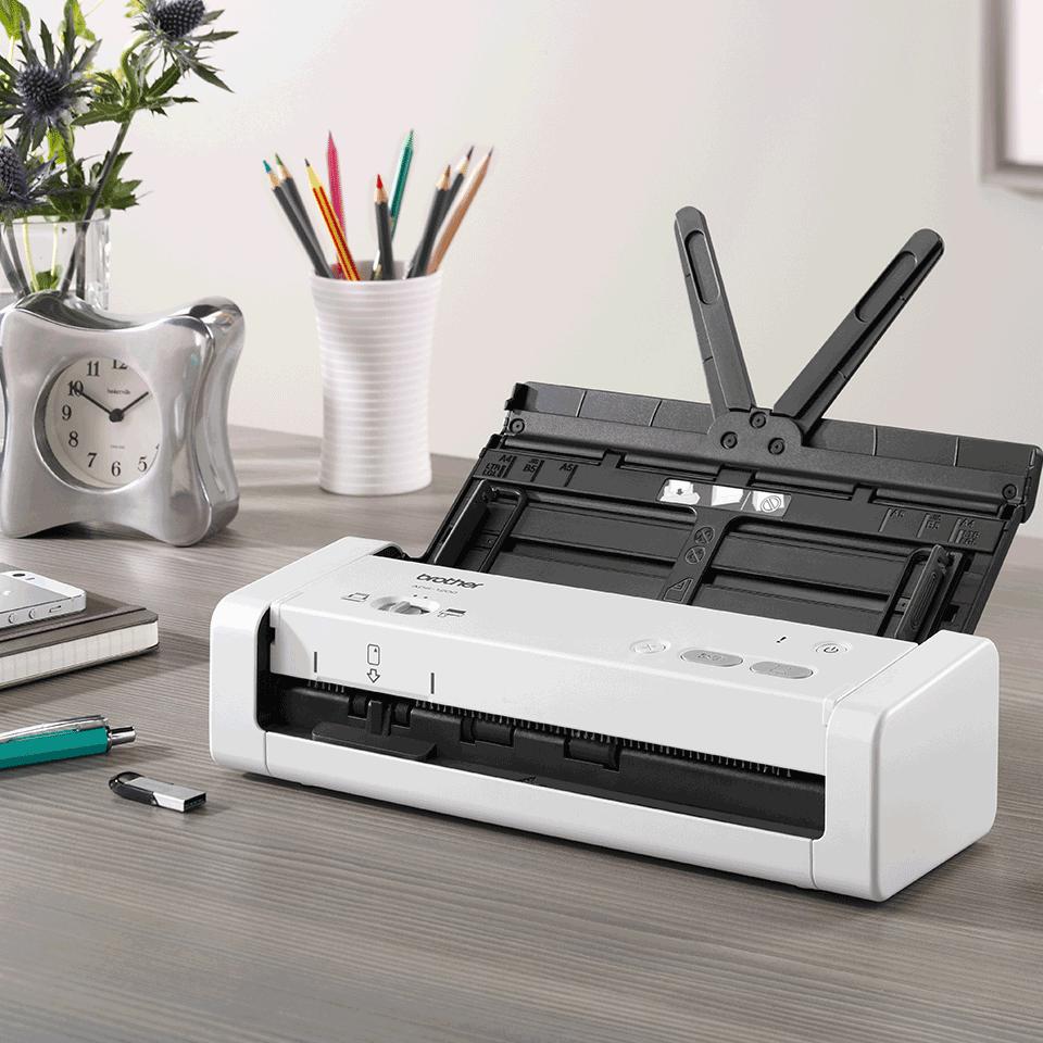 Portabler und kompakter ADS-1200 Dokumentenscanner 8