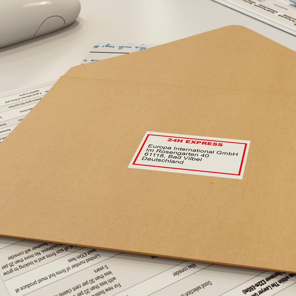 Original DK-22251 Endlosetikettenrolle von Brother – Schwarz und Rot auf Weiß, Papier, 62mm 2