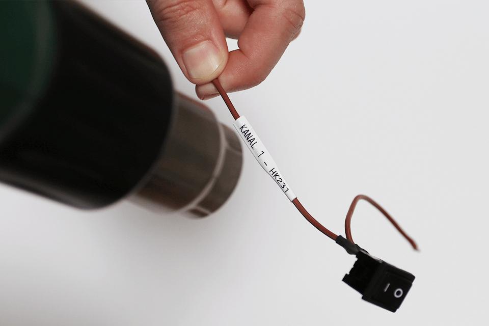 Cartouche à ruban pour gaine thermorétractable HSe-221 Brother originale – Noir sur blanc, 8,8mmx1,5m. Ruban continu. 4