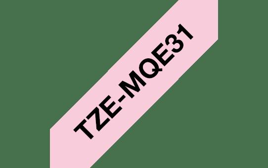 Cassette à ruban pour étiqueteuse TZe-MQE31 Brother originale – Noir sur rose pastel, 12mm de large. 3